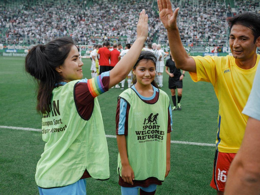 Kicken ohne Grenzen - Shake Hands